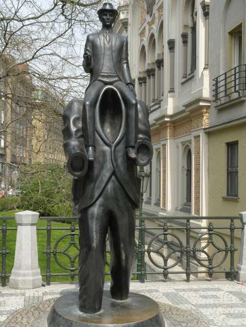 Incoczech: Kafka Denkmal Prag