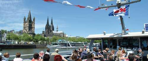 Köln-Düsseldorfer Deutsche Rheinschiffahrt AG: Panorama cruise on the river rhine cologne