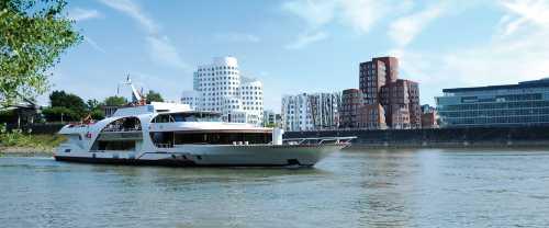 Gruppenausflug und Gruppenticket in Düsseldorf: Köln-Düsseldorfer Deutsche Rheinschiffahrt AG: Panoramafahrt auf dem Rhein - Düsseldorf