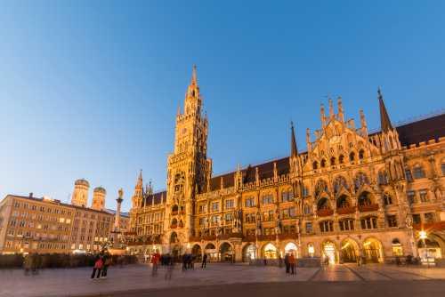 Gruppenausflug und Gruppenticket in München: München Marienplatz (Shutterstock)