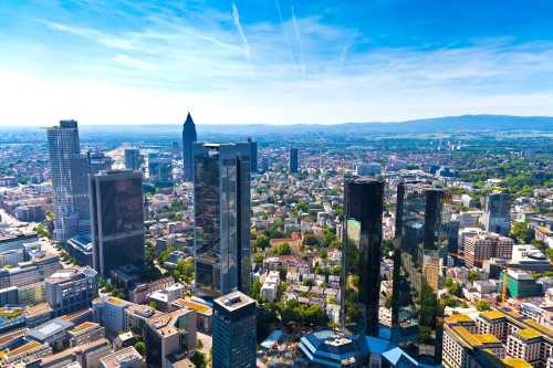 Gruppenausflug und Gruppenticket in Frankfurt: Skyline Frankfurt am Main (Shutterstock)