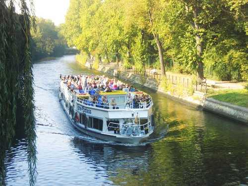 Reederei Riedel GmbH: Brückenfahrt in Berlin
