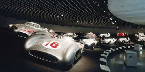Daimler AG: Mercedes-Benz Museum Stuttgart