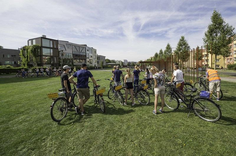 Gruppenausflug und Gruppenticket in Berlin: Bernauer Str. Gedenkstätte Berlin Radtour entlang der Mauer
