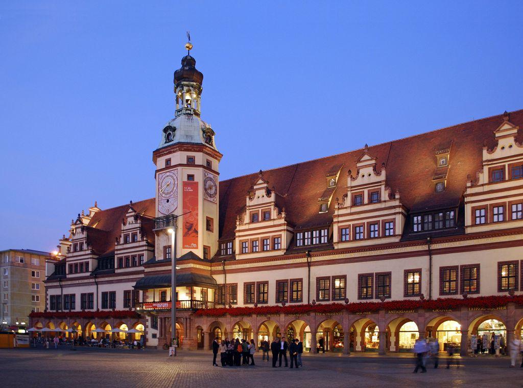 Rathaus Leipzig Abendliche Außenansicht