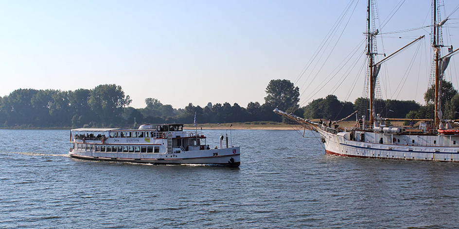 Hal Över Weser and Harbour Cruisew