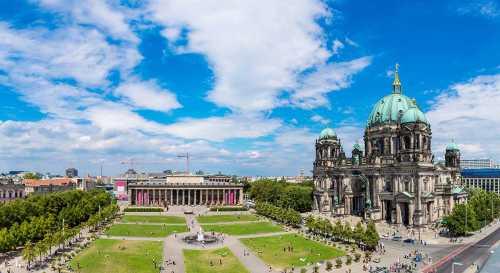 Shutterstock: Lustgarten Berlin